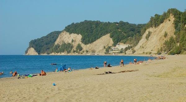 Лучшие и песчаные пляжи Абхазии, пляжный отдых в Гаграх, Пицунда, Сухуми 48